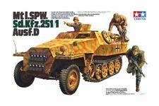SD.KFZ 251/1 AUSF.D HALFTRACK GERMAN ARMOURED PERSONNEL CARRIER #35195 TAMIYA