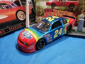 1:18 Jeff Gordon #24 DuPont 1998 Chevrolet Monte Carlo Revell - LIMITED EDITION!