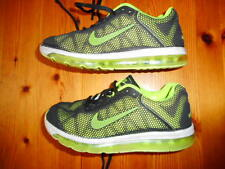 NIKE AIR MAX TRAINING SHOES KIDS SIZE US 2 GOOD CONDITION