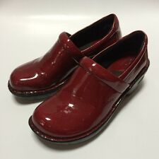 Born BOC Red Peggy RED Patent Leather Clogs Shoes Size 6