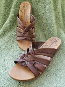 Bare Traps Jargon Women's Slide Sandals Sz 10M Brown Multiple Crossovers Soft In