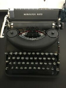 Remington noiseless typewriter model 7, with case Excellent  Condition