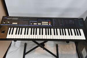 KORG DW-6000 Programmable Digital Waveform Synthesizer Keyboard