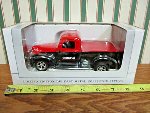 Case IH 1940 Ford Pickup By SpecCast 1/25th Scale >