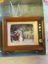 Roman Inc Retro Christmas Tv Set Ornament, Building a Snowman, Euc w/ Box