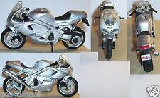 A SAISIR MAISTO METAL 1/18 MOTO MOTORCYCLE TRIUMPH 955I DAYTONA OCCASION