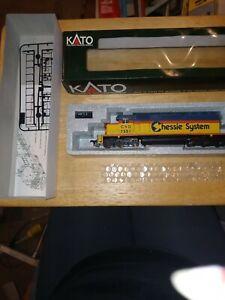 Kato 37-016 Chessie System #7551 EMD SD40 Ho Locomotive