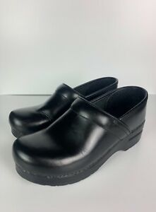 Dansko Women's 38 EUR 7.5- 8 US Black Leather Round Toe Comfort Work Clogs Shoes
