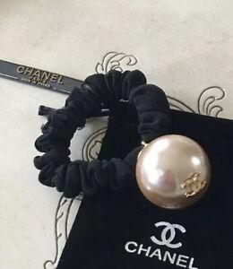 CHANEL NEW BEIGE PEARL HAIR SCRUNCHIE  W/GOLD LOGO & CHANEL TISSUE