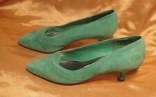 VERY ELEGANT GLORIA VANDERBILT LEATHER AND SUEDE  SHOES GREEN SIZE 7-1/2 M