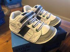 Stride Rite Artie Boys white blue Toddler Velcro sneakers New W/ Box