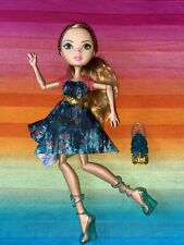 Ever After High----*Ashlynn Ella* Through the Woods----Doll, Dress, Shoes (52)