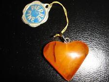 PENDENTIF COEUR EN AMBRE VERITABLE VINTAGE 70 NEUF 1.8 X 2.2 CM /AMBER HEART