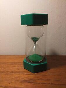 VINTAGE PLASTIC GREEN 1 MINUTE EGG TIMER