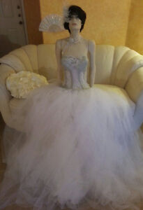 Buy 1 Get 1 10% Off 160 PC WHOLESALE LOT OF BRIDAL GOWNS/ACCESSORIES MANY SIZES
