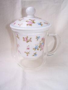 Teetasse aus Glas mit Porzellaneinsatz und Deckel - Motiv - Sommerblüten
