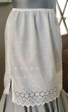 Adorable Crisp White Eyelet Lace Short Petticoat Slip Skirt Vintage Sweetness M