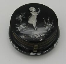 ANTIQUE MARY GREGORY BLACK GLASS HAND PAINTED WHITE ENAMEL JEWELRY TRINKET BOX