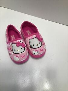 Hello Kitty Pink Slippers Size 9/10 Girls