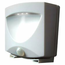 Maxsa Innovations 40341 Battery-Powered Motion-Activated Outdoor Night Light