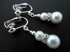 Orecchini di bigiotteria perle bianche