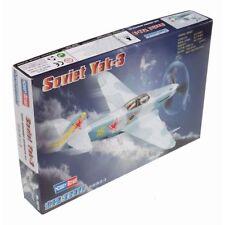 Aéronefs miniatures blancs en plastique