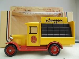 Lledo Schweppes  - DG26000 - 1934 Chevrolet Bottle Delivery Truck