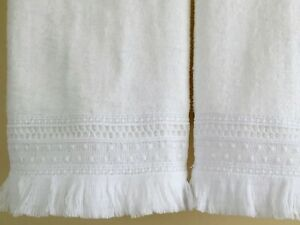 LACE Fingertip Guest Towels (2) WHITE Velour Cotton Lace Embellished NEW UtaLace
