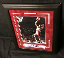 JULIUS ERVING SIGNED & FRAMED 8x10 PHOTO DISPLAY w/ JSA LOA HOF AUTO SIXERS