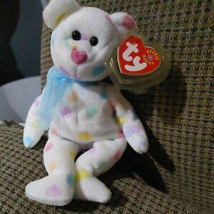 TY Beanie Babies Kissme 2001 White Valentine Bear w/ Multicolored Hearts