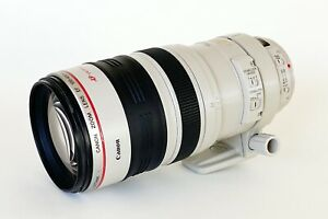 Canon EF 100-400mm f/4.5-5.6L IS USM Zoom Lens with Case and Lens Hood