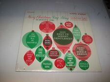 LP<<THE JOHN MCARTHY CHORALE<<MERRY CHRISTMAS SING ALONG   **NM VINYL**    89