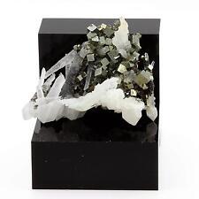 Quartz Pyrite. 174.5 cts. Sanbao W-Mo deposit,  Fujian Province, Chine