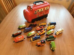 Chuggington Wilson Storage Carry Case and 17 Diecast Trains  Bundle