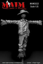 1/35 Scale resin model kit Scarecrow / Vogelscheuche #2 - with Hat / 1:35
