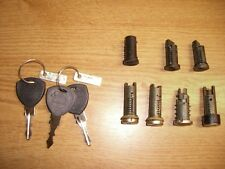 Schließsatz m. Schlüssel Lock / Key Set Lancia Thema S.W. LE LX LS 17657880