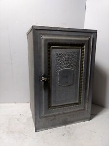 VINTAGE TIN HOME COMFORT BREAD & CAKE CABINET METAL PIE SAFE shabby silver