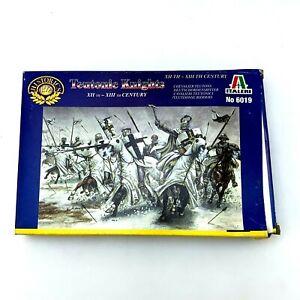 Vintage Teutonic Knights | 1/72 Scale | Italeri | Model Figures | Complete