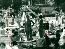 1975 OUTDOOR SWIMMING POOL SSWEDLESEE FISSILE CLOCK - Vintage photograph 4030803