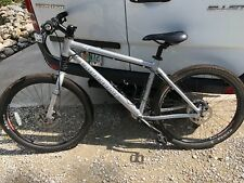 Cannondale Mountain bike gently used, Silver 27 gears Large Frame