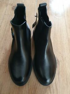 Ladies M& S  Black pull on Leather Boots Uk Size 6 wide fit