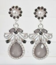 Perlen Blüten Ohrhänger Strass Acryl Tropfen floral hell grau creme weiß silber