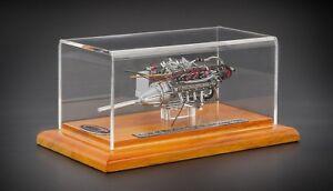 1:18 CMC 1960 Maserati Tipo 61 Birdcage Engine w/ Showcase M-126