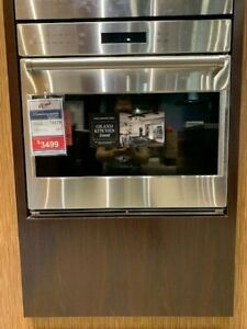 """SO30PESPH-WOLF 30"""" E SERIES SINGLE WALL OVEN PRO HANDLE DISPLAY MODEL"""