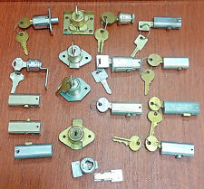 VTG Lot of 17 Assorted Locks +Keys YALE CHICAGO HUDSON AH CORBIN KNAPE VOGT Etc