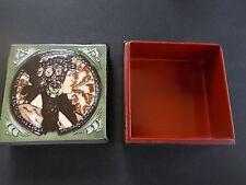 ART Nouveau LACCA Box con tubelined Pottery Decorazione stilizzato Lady sul coperchio