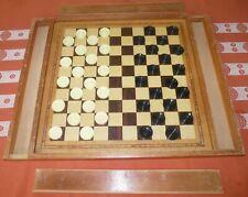 Ancien piste de jeux en bois. Double face - jeu des dames et un jeu hippique