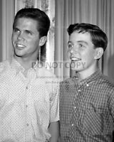 """JERRY MATHERS AND TONY DOW IN """"LEAVE IT TO BEAVER"""" 8X10 PUBLICITY PHOTO (FB-378)"""