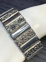 "Silver plated Signed Premier designs Wide Flower link Ladies  bracelet 7.5"" Long"