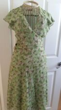 "Designer Marilyn Moore ""With Love"" 100% Silk Green Tea V Necked Dress Size 8"